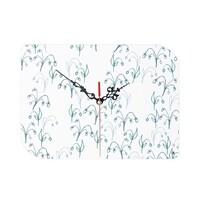 Leaf shaped wall clock